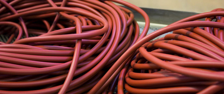 Tubi estrusi in silicone rosso